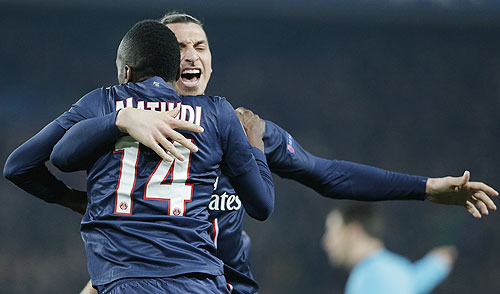 Paris St Germain's Blaise Matuidi (left) celebrates with Zlatan Ibrahimovic