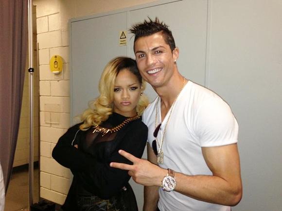 Cristiano Ronaldo poses with Rihanna