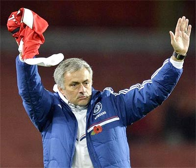 Chelsea's form making selection tough for Mourinho