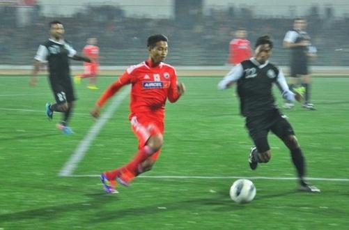 Shillong Lajong tackle past Mohammedan Sporting