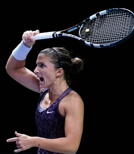 Ruthless Errani secures Fed Cup for Italy