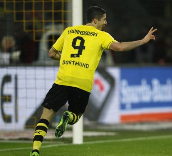 Robert Lewandowski celebrates after scoring