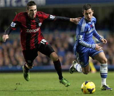 Late penalty saves Mourinho's Chelsea home record