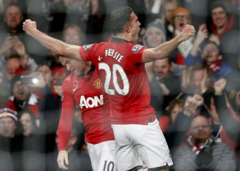 EPL: Van Persie goal sinks Arsenal at Old Trafford