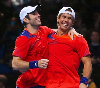 David Marrero (left) and Fernando Verdasco of Spain celebrate victory in their men's doubles final against Bob and Mike Bryan of the United States