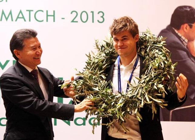 FIDE President Kirsan Ilyumzhinov award World Champion Magnus Carlsen