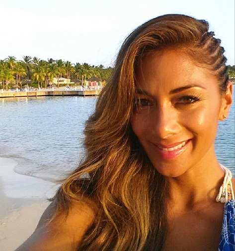 Nicole Scherzinger sulks again over Hamilton; Kelly Brook finds new beau