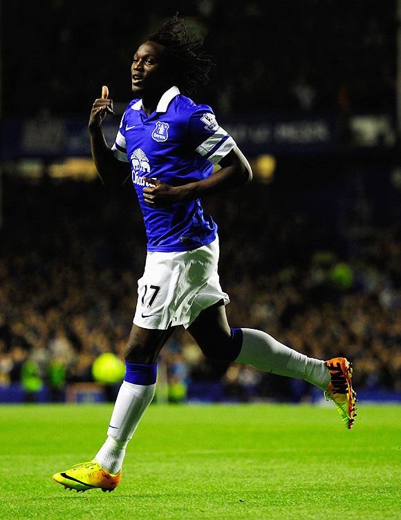 Lukaku lifts Everton to fourth in EPL table