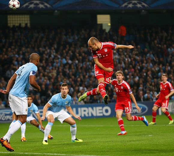 Arjen Robben of Muenchen heads towards goal