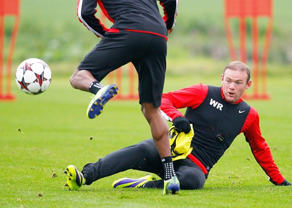 Wayne Rooney (right) of Manchester United