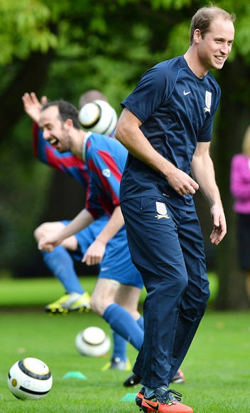 Prince William, Duke of Cambridge trains with players