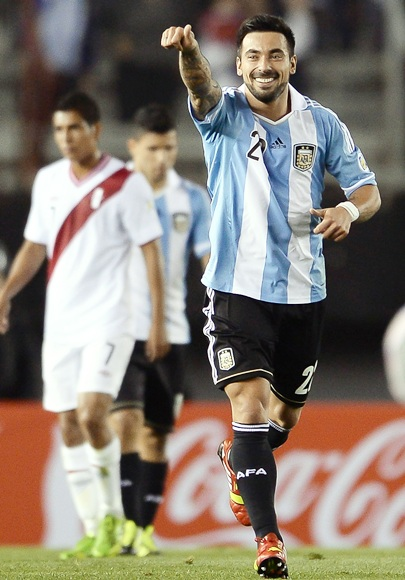 Ezequiel Lavezzi of Argentina celebrates a scored goal