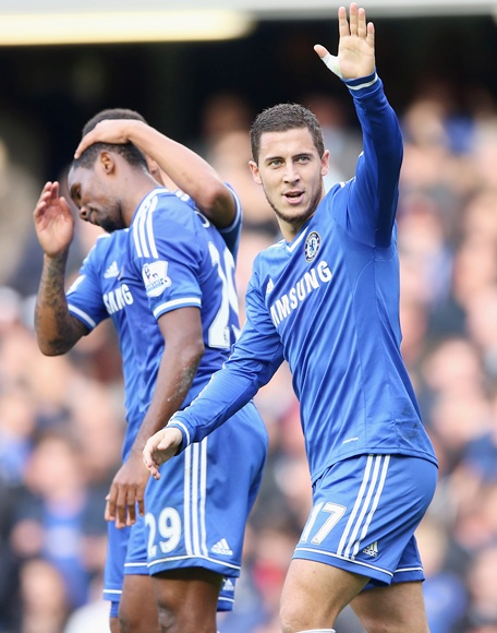 den Hazard of Chelsea celebrates