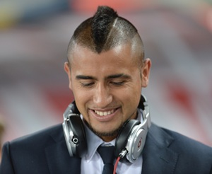 Late arrival Vidal fined and benched by Juventus