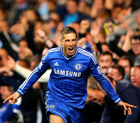 Torres pounces late to send Chelsea second in EPL