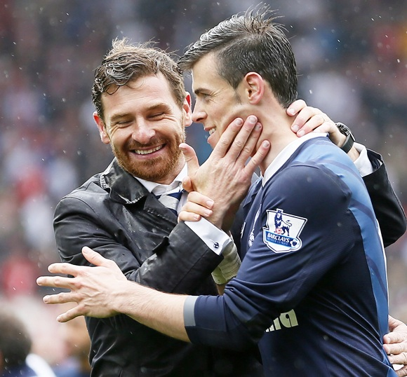 Tottenham Hotspur manager Andre Villas-Boas with Gareth Bale
