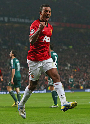 Manchester United's Nani signs new five-year contract