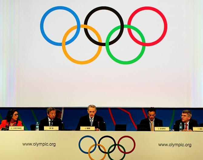IOC president Jacques Rogge (centre) makes his opening remarks during the 125th IOC session in Buenos Aires