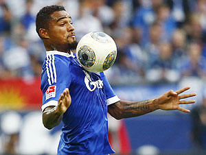 Schalke 04's Kevin Prince Boateng controls the ball during their German first division Bundesliga match