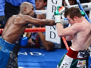 Masterful Mayweather defeats Alvarez to remain unbeaten