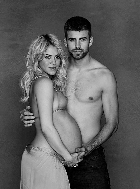Sexy Shakira & Milan shout for Daddy at Barcelona