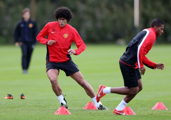 Fellaini struggling with pace during training at Man Utd