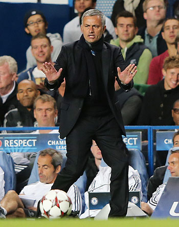 Mourinho denies crisis in Chelsea ranks