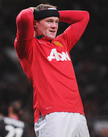 Wayne Rooney of Manchester United reacts