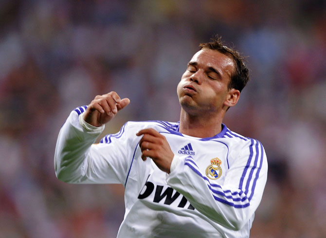 Wesley Sneijder of Real Madrid in a match in 2008