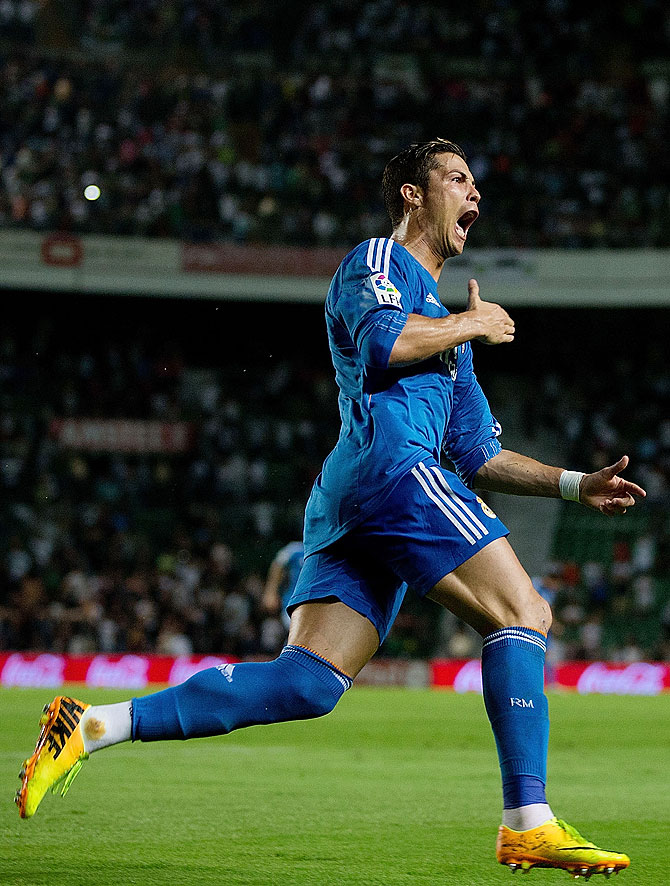 Cristiano Ronaldo of Real Madrid CF celebrates scoring th