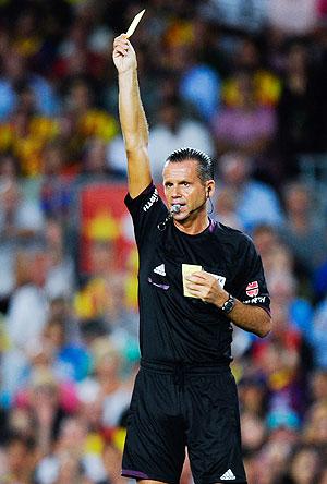 Referee Cesar Muniz Fernandez