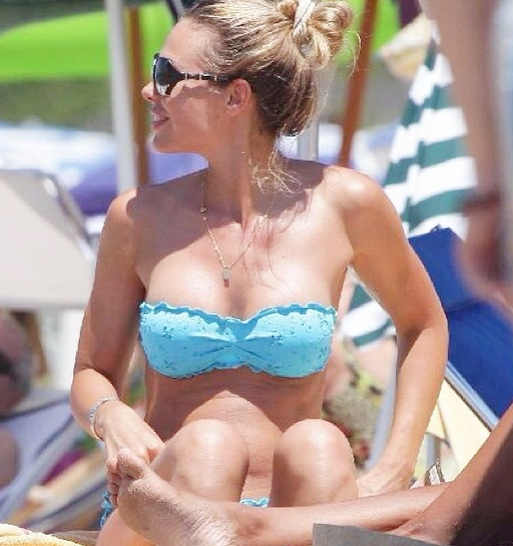 Ilary Blasi on a beach vacation with husband Francesco Totti