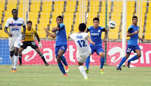 Bengaluru's Thoi Singh fires the ball from top of the box