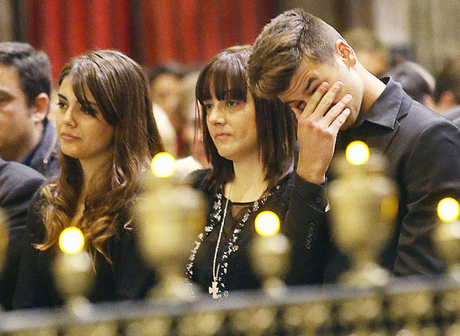 PHOTOS: FC Barcelona pay last respects to former coach Tito Vilanova