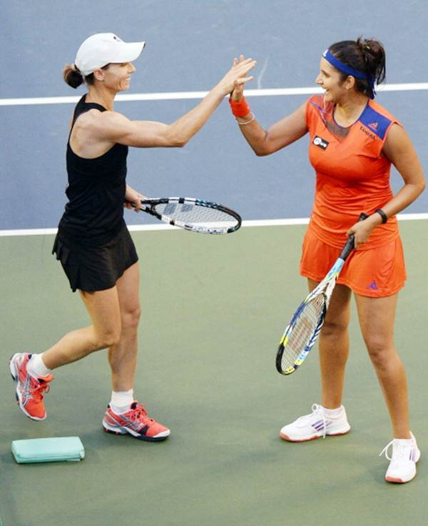 Cara Black (left) and Sania Mirza