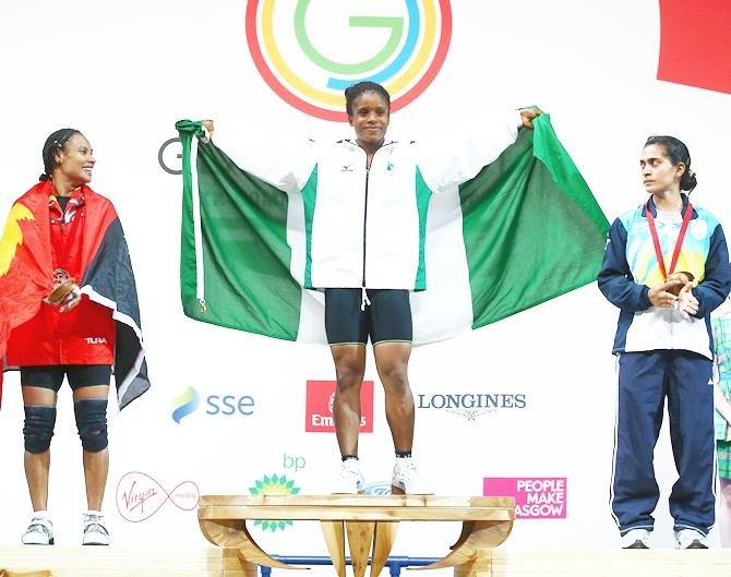 Chika Amalaha of Nigeria, centre