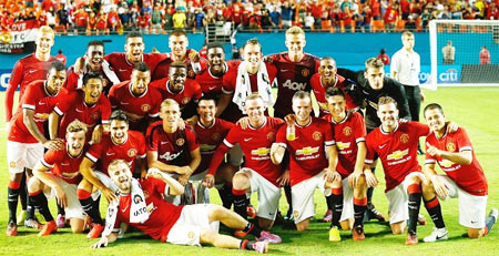 Manchester United pose for a photograph