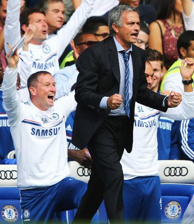 Chelsea manager Jose Mourinho celebrates
