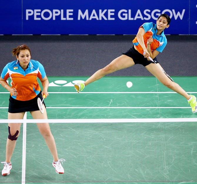 Jwala Gutta and Ashwini Poonappa Ashwini Ponnappa and Jwala Gutta in action