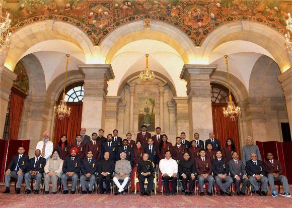 Rediff Sports - Cricket, Indian hockey, Tennis, Football, Chess, Golf - PHOTOS: President bestows controversy-marred Arjuna awards