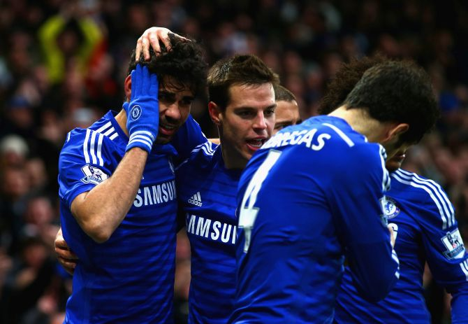 Rediff Sports - Cricket, Indian hockey, Tennis, Football, Chess, Golf - Chelsea stroll to victory over West Ham