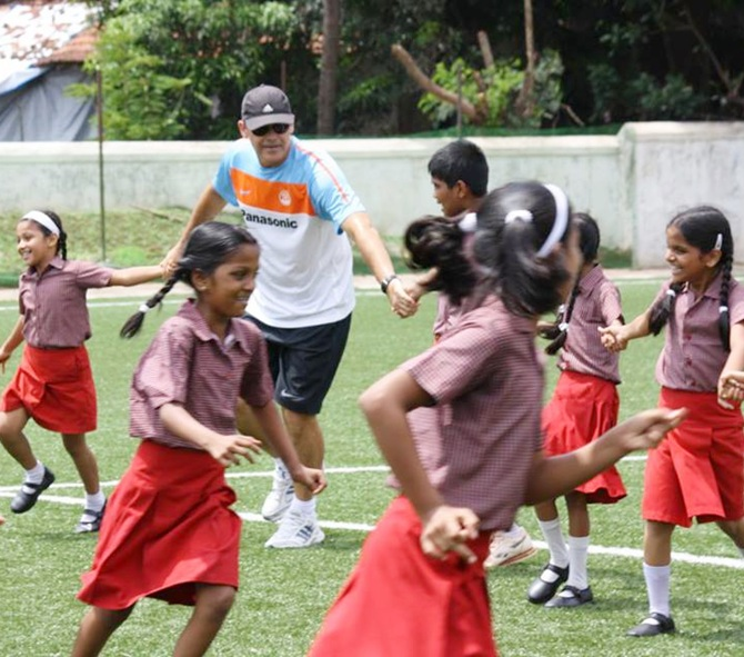 Scott O'Donnell with school children.
