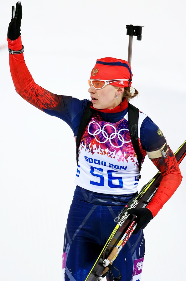 Olga Vilukhina of Russia waves to the crowd.