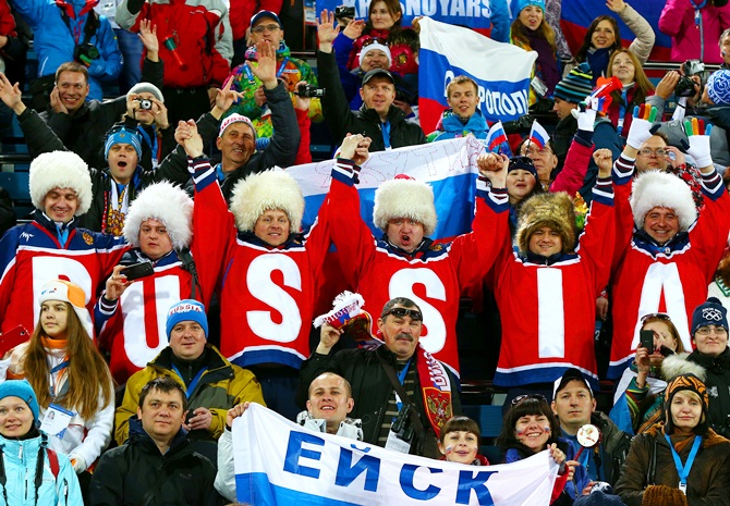 Russian fans watch the Women's 15 km Individual.