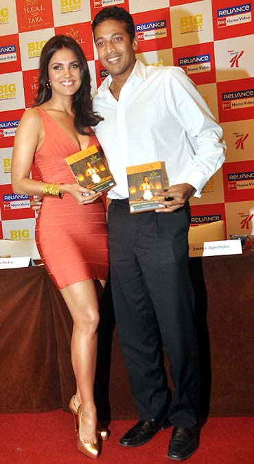 Actress Lara Dutta with husband Mahesh Bhupathi