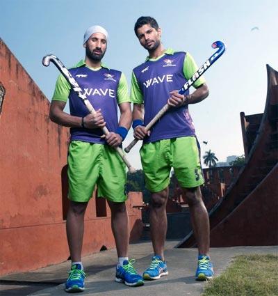 Sardar Singh (left) with Rupinder Pal Singh