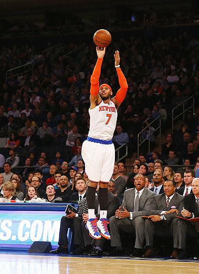 Carmelo Anthony #7 of the New York Knicks shoots to score