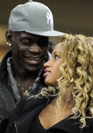 Balotelli needs love, says Italy coach Prandelli