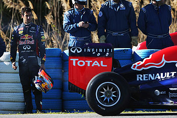 Daniel Ricciardo of Australia and Infiniti Red Bull Racing has a car breakdown on his installation lap during day three of Formula One Winter Testing at the Circuito de Jerez in Jerez de la Frontera, Spain, on Thursday