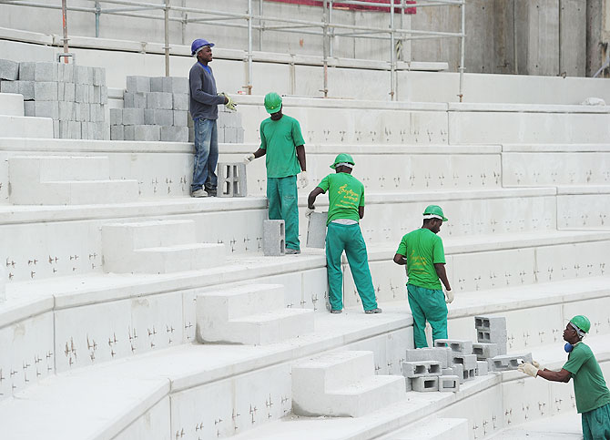 Construction continues at the Arena da Baixada